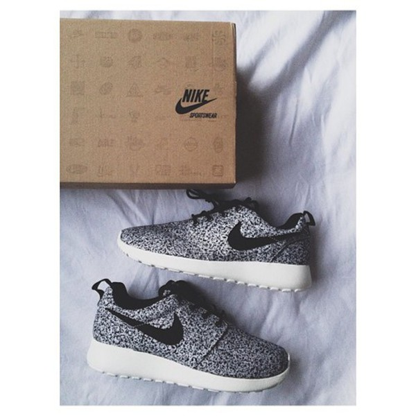 shoes nikes polka dots black and white nike roshe run roshes