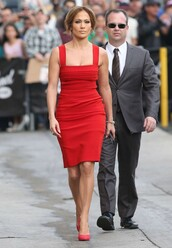 dress,jennifer lopez,pumps,red dress,red,shoes