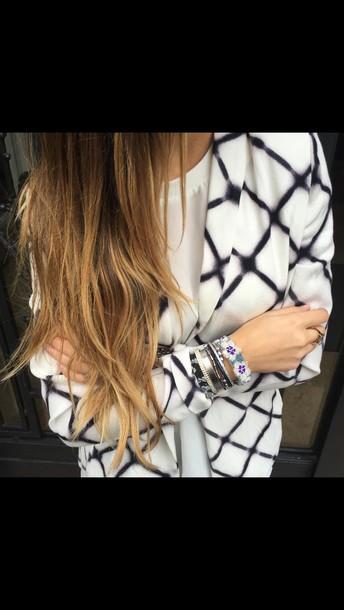 shirt jacket blouse white blouse shirt white blouse squared blouse square printed white shirt top white top jewels jewelry bracelets
