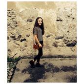 stripes,bag,fransen,air max,indie,t-shirt,jeans,black