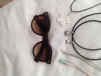 jewels grunge tattoo choker necklace grey crystal wire silver indie bambi note like heart must kylie jenner kardashians kendall jenner new high fashionista season beach purple science sun moon and sun moon chain sunglasses