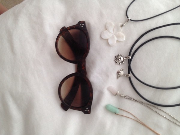 jewels grunge tattoo choker necklace grey crystal wire silver indie bambi note like heart must new high fashionista season beach beach purple science sun moon and sun moon chain sunglasses