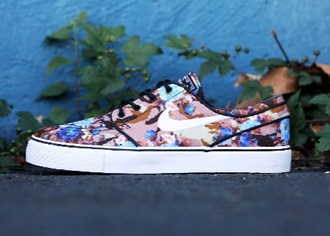 shoes nike shoes skate shoes skatershoes janoski janoski's sneakers floral shoes wanted shoes stefan janoski