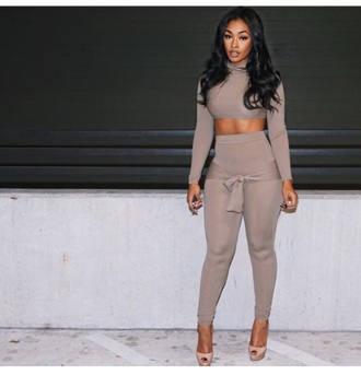 leggings top shirt grey grey turtleneck crop top grey pants shoes heels tie up grey shirt grey crop top grey turtle neck tie shirt pants brown legging