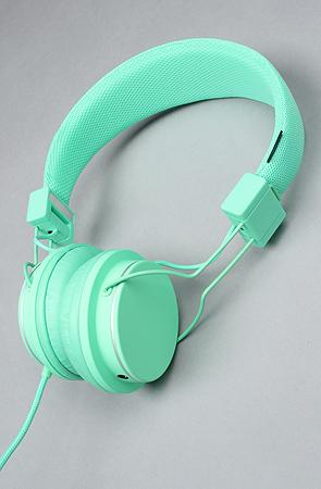 Urbanears the plattan headphones in pool