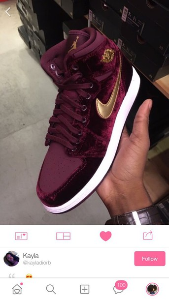 87918081474 maroon and gold nikes