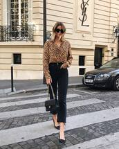 top,shirt,leopard print,button up,black jeans,skinny jeans,pumps,handbag,sunglasses,shoes,mid heel pumps,black denim,high waisted jeans
