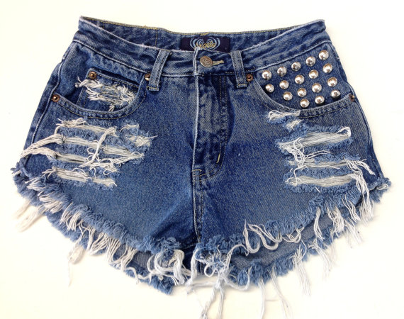 Vintage high waisted jean shorts and circlestudded by heartwild
