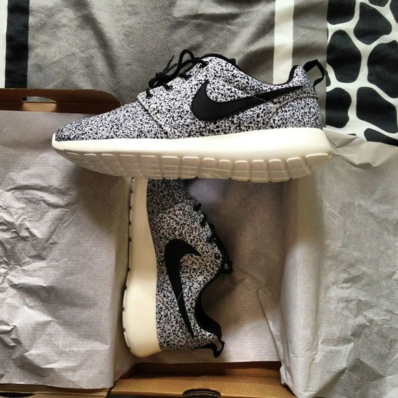 shoes grey shoes nike nike sneakers nike, black, roshe, run, speckled nike roshe run white black nikes nike, shoes, running, black and white, oreo, cookies n cream blue roshe run floral black and white specked beautiful shoes nike running shoes