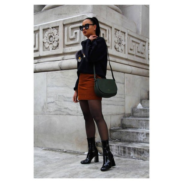 bag eco friendly green bag shoulder bag sweater black sweater skirt mini skirt rust tights boots black boots patent boots patent shoes high heels boots sock boots sunglasses fall outfits