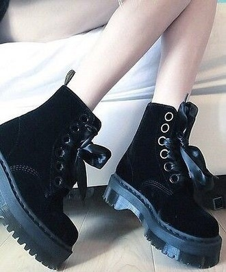 shoes black boots flat boots drmartens