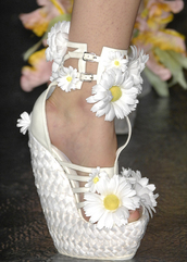 white shoes,daisy,platform shoes,shoes,flowers,floral,wedges,daises,white,yellow