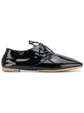 cut-out women leather black shoes