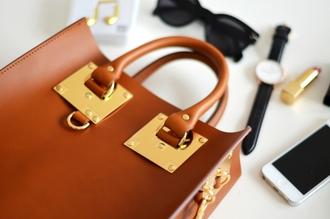 bag leather bag blogger vogue haus make-up watch