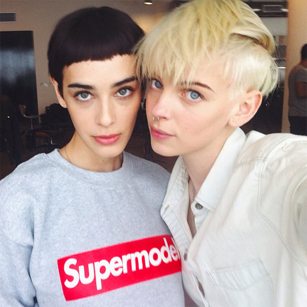 sweater alex and chloe alex & chloe supermodel model supreme sweatshirt kate moss margaux brooke supreme t-shirt cara delevingne supreme beanie