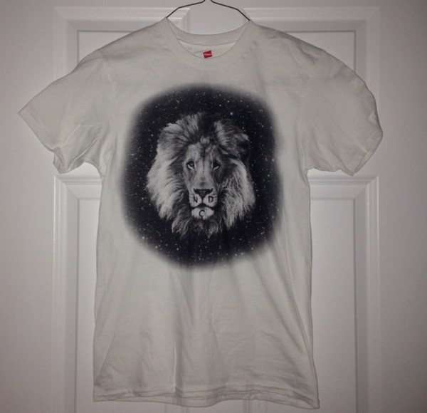t-shirt lion shirt graphic tee lion