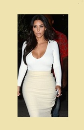 top,kim kardashian,white,white t-shirt,white crop tops,white top,cream,slit skirt,date outfit