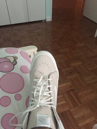 shoes pink and white