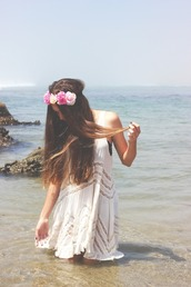 dress,white dress,waves,floral,flowers,ocean,cut-out,sleeveless,beachy waves,cut-out dress,tumblr girl,black bandeau,hat,water,summer outfits,summer dress,flower crown,holidays