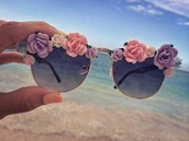 sunglasses,floral sunglasses,black sunglasses,plastic flowers,3d,sungasses,cute,floral,kawaii,flowers,summer,beach,glasses,tumblr,hippie,hippie glasses,sun