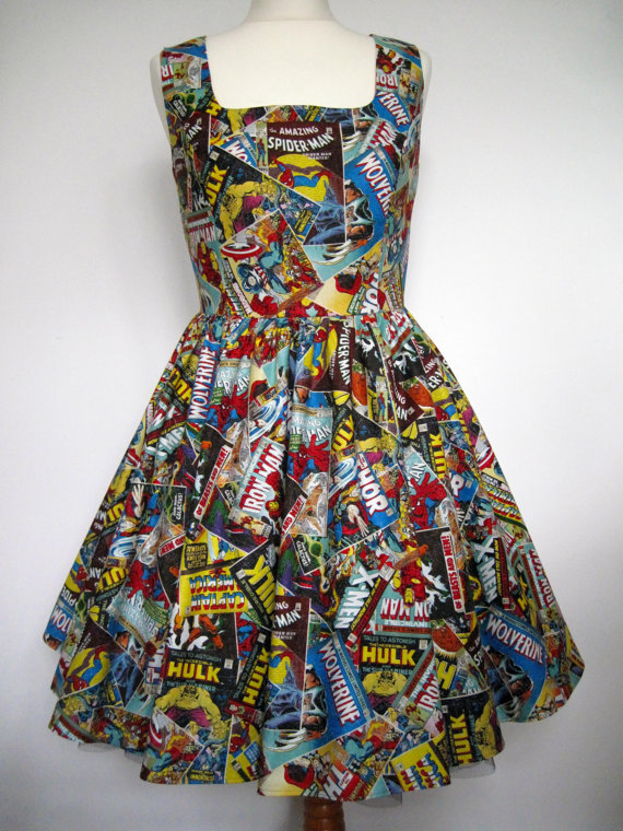 Marvel Comics robe à la main pour commander par Frockasaurus