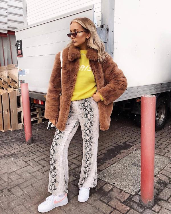 pants wide-leg pants snake print snake print pants sneakers nike sweater faux fur coat sunglasses shoulder bag