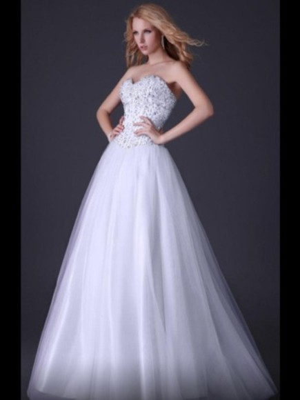 dress gown white floorlength silver beaded pretty gorgeous debutant