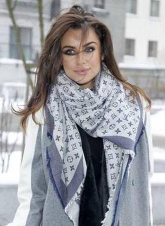 scarf siwiec saint laurent trend
