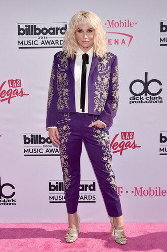 pants suit kesha billboard music awards shirt sandals blazer purple printed pants