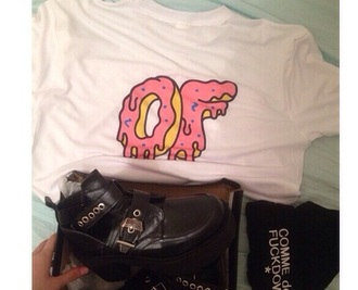 t-shirt donut shoes