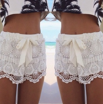 shorts dentelle palm tree print top