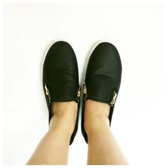 shoes sneakers flats style cute fashion fall outfits back to school kicks casual comfy zooshoo