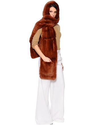 fur scarf brown