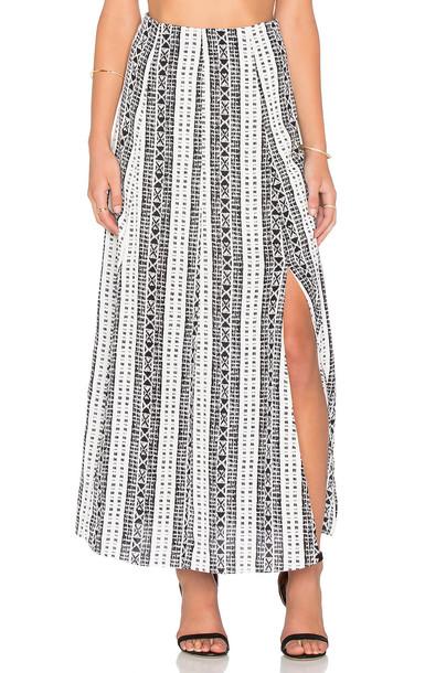 Whitney Eve skirt white black