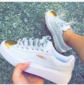 shoes,puma sneakers,low top sneakers,white sneakers