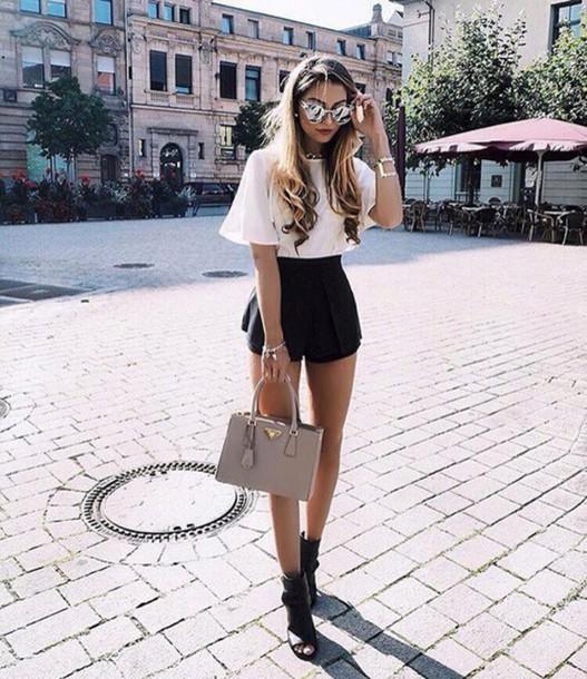 shorts short black white bag top style girl sunglasses fashion toast fashion vibe fashion is a playground fashion fashion coolture fashionista shoes black shoes jewels