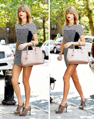 dress black and white striped dress business casual taylor swift prada oxford shoes red lip candid streetstyle