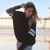 sweater,sweat the style,sweatshirt,sweater weather,sweats,printed sweater,grey sweater,black,outfit,outfit idea,streetwear,streetstyle,street,girly wishlist,tumblr girl,cute,casual,casual t-shirts,lookbook