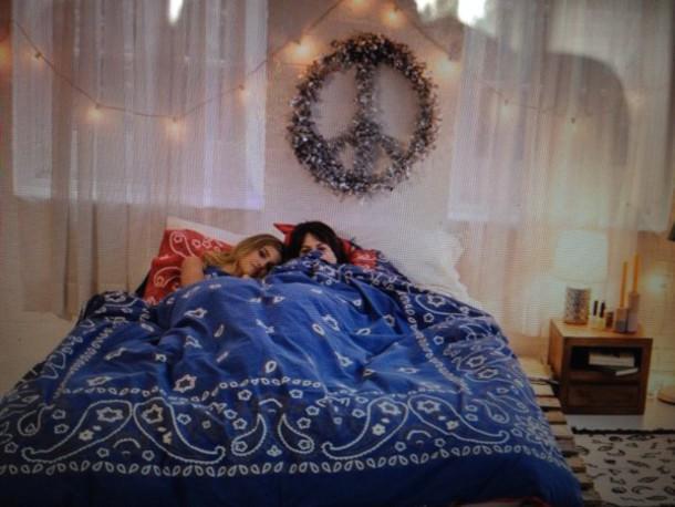 bedding paisley bandana print