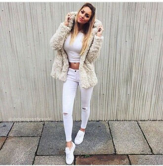 jeans ripped jeans skinny jeans white jeans white ripped jeans pants skinny pants white pants outfit winter outfits top white top summer top white crop tops coat winter coat fur coat fuzzy coat style stylish clothes sneakers white sneakers low top sneakers cute outfits beige fluffy coat white winter outfit