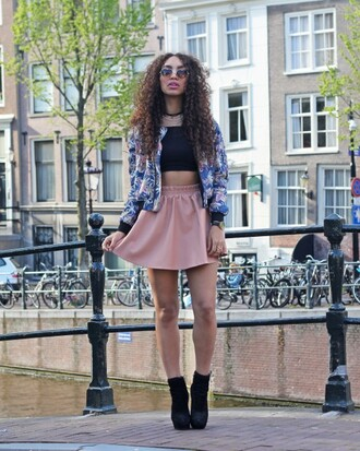 from hats to heels blogger jacket top skirt shoes sunglasses hat dusty pink