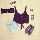 shorts,top,crop tops,bandeau,shoes,outfit,tank top,jewels