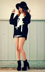 galore beneath the stars,hat,sweater,blouse,shorts
