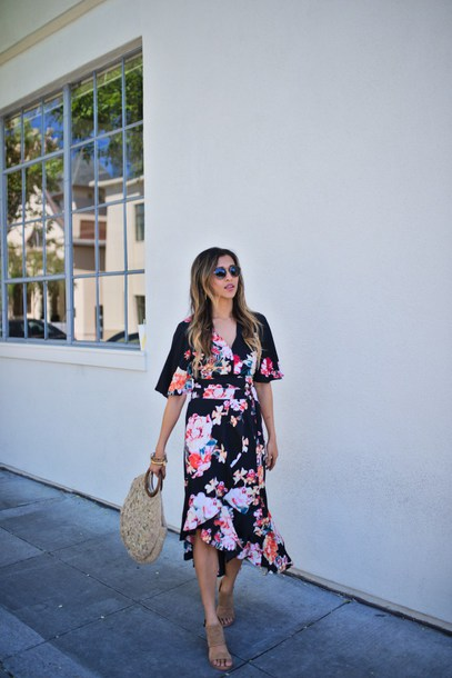 cuppajyo blogger top skirt bag shoes floral dress sandals basket bag midi dress summer outfits