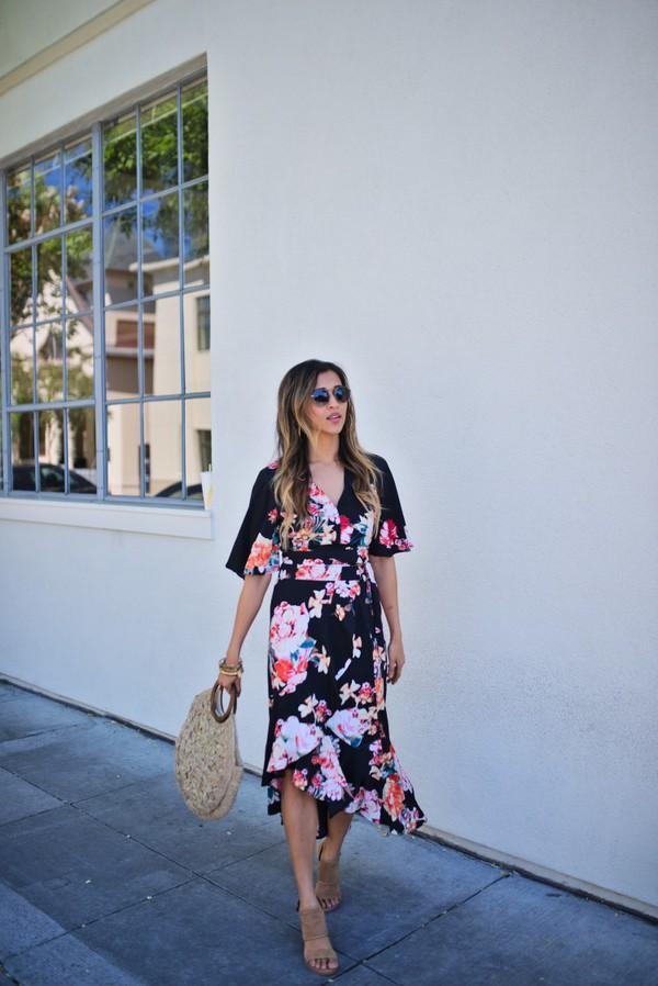 cuppajyo blogger top skirt bag shoes floral dress sandals basket bag midi dress summer outfits