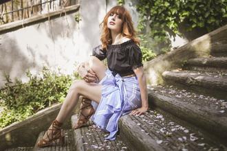 miss pandora blogger jewels skirt top shoes hat make-up