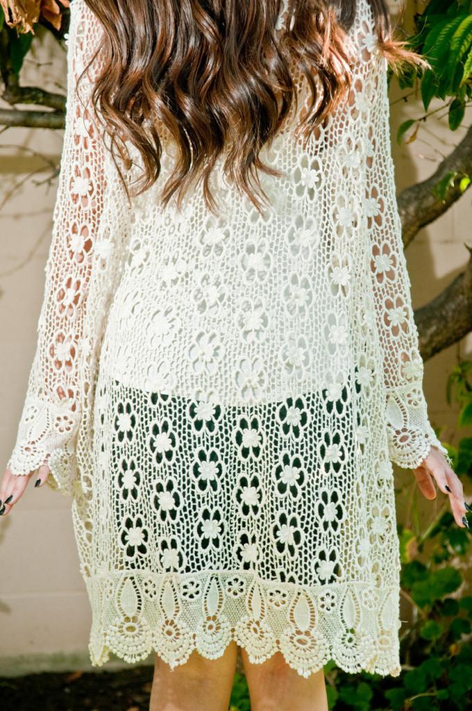 Beige floral crochet maxi cardigan – gold soul