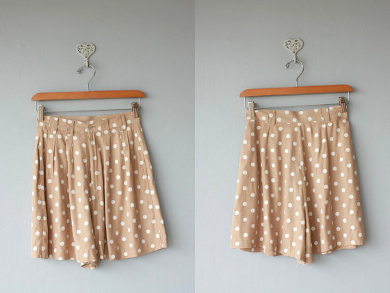 Polka dot shorts / 1980s high waisted by custardheartvintage