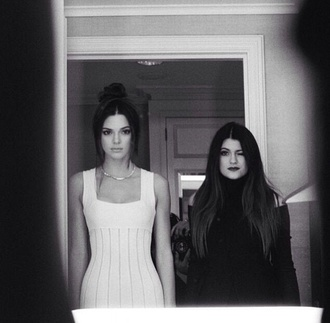 dress kendall jenner kylie jenner kendall and kylie jenner white and black