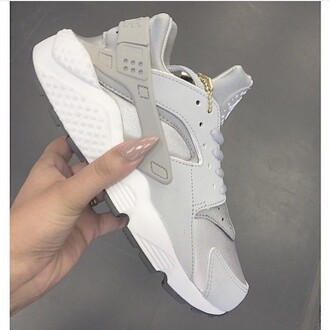 shoes grey gold nike shoes huarache